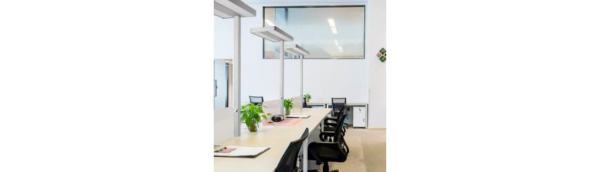 Osvětlení, tabule, kancelářské vybavení