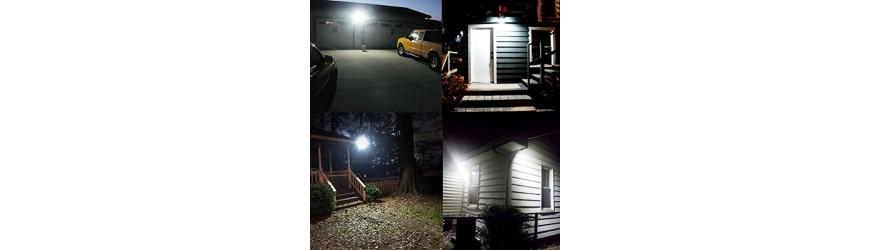 Reflektor LED a halogenové